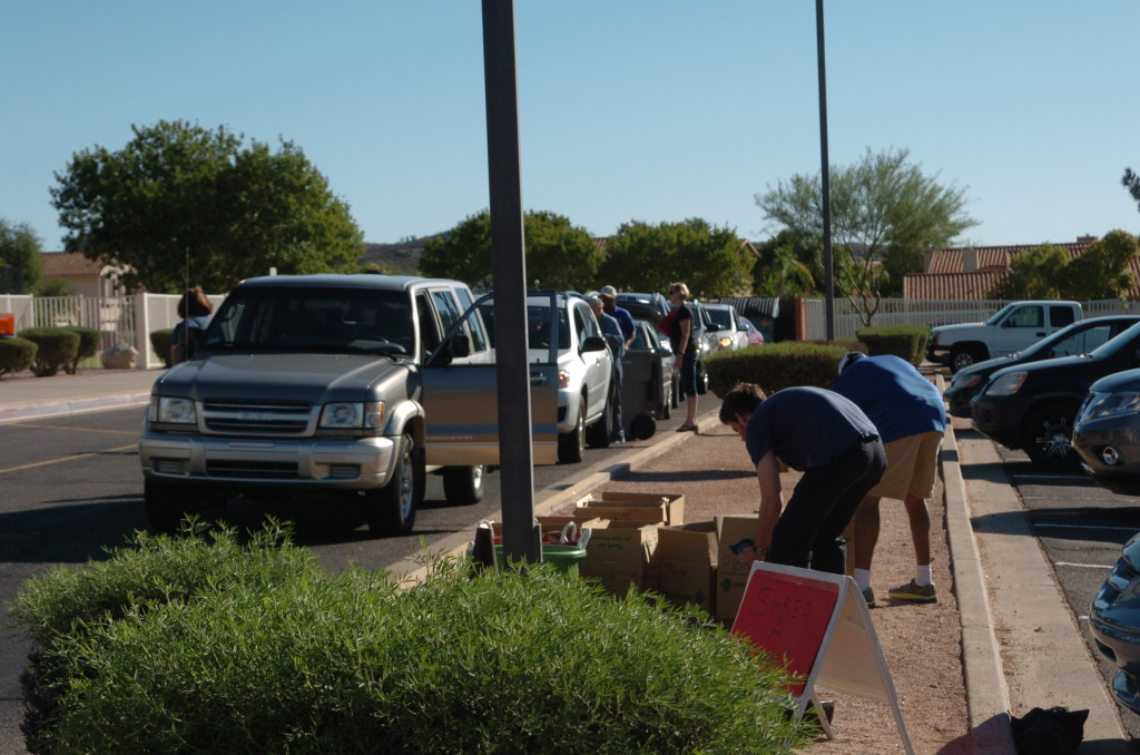 Cars lined up for Ahwatukee Shred-A-Thon