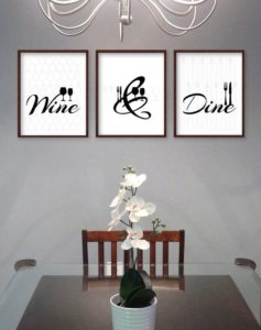 stage a dining room to sell